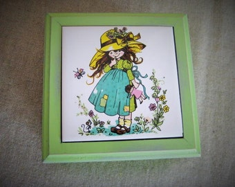 Petite Trinket/Jewelry Box in Green Apple / Sweet 70's Trinket Box with Shy Girl and Doll