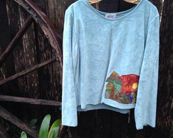 Appliqued Mountain Scene Velour Sweatshirt .L/XL