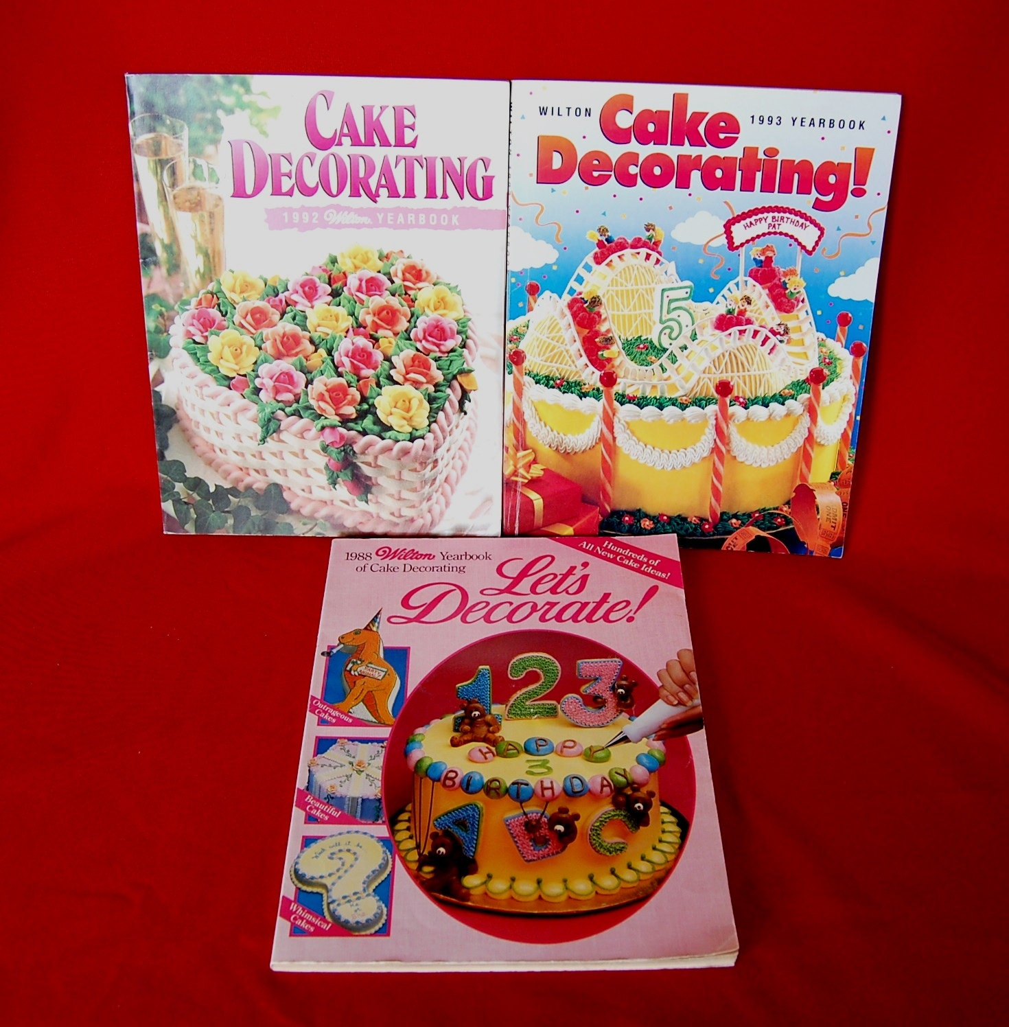 Lot of 3 Vintage Wilton Cake Decorating Yearbooks Softcoveer