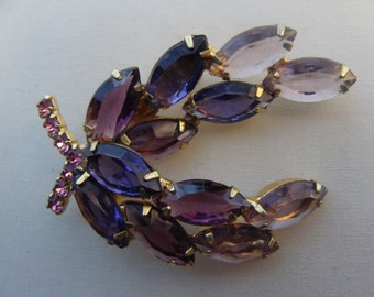 Vintage costume jewelry Lavender Pink and Purple Rhinestones Brooch - Prong Set Juliana Style