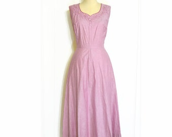VINTAGE 1950's Pink Sleeveless Dress w/ Trapunto Embroidery and Faceted Clear Glass Decorative Buttons at Neck