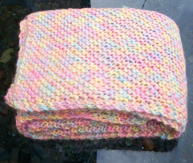 Knitting Stitch Patterns For Chunky Yarn : Pdf baby blanket knitting pattern super chunky soft