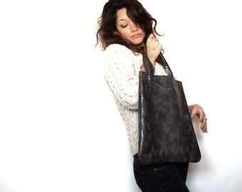 Grey python leather bag. Snakeskin bag.  Leather tote bag with grey python motif.