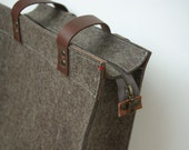 "FELT TOTE SHOPPER zipper sandbrown - leather details - large  - 13"" laptop"