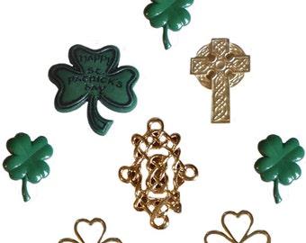 Irish Spirit Plastic Buttons / Sewing supplies / DIY craft supplies / Novelty Buttons / Party Supplies / Kids craft supplies