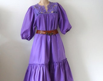 ON SALE 1980s Peasant Dress - vintage ethnic cotton tent dress with crochet lace