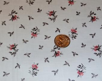 "Vintage 1940s Cotton Fabric Yardage, Pink Rose Buds, Light Blue Background, Black Leaves 36"" x 108"""
