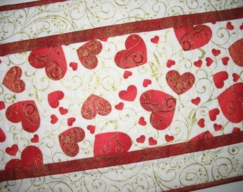 Valentine Table Runner small  Hearts, Love and Swirls in red. quilted, fabric from Hoffman