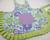 Kids Apron, Reversible, Custom Made - You pick the fabric, Adjustable Ties, With or Without Ruffle