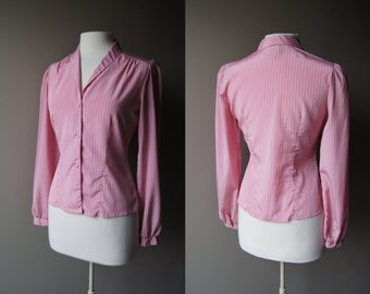 Vintage Fitted Pink Blouse Pinstriped Blouse Pearl Buttons Size 8 Medium Blouse Pink Top Button Down Pin Stripe Top Long Sleeve Top 70's Top