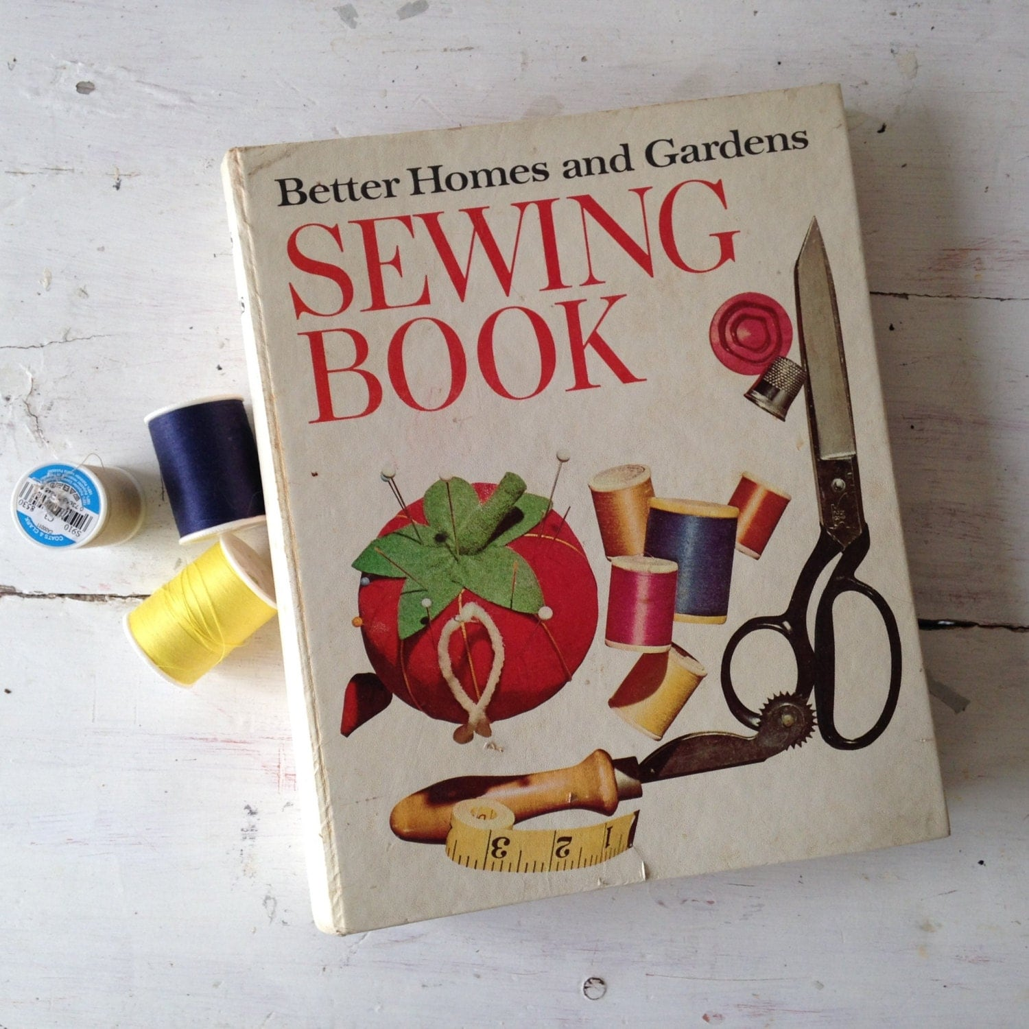 Better Homes Gardens: Better Homes And Gardens Sewing Book