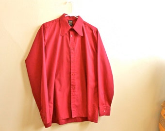 Vintage 1980s Men's Maroon Button Up Shirt Red Long Sleeve Pointed Collar by Keynote
