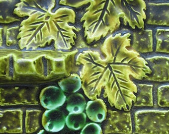 1950s Ashtray made in Japan / Grape Leaf and Grapes against Brick wall /