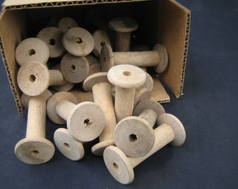 Small wooden spool group of 20