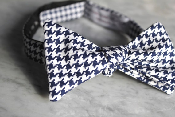 Navy Blue and White Hounstooth Plaid Bow Tie - Self tying - freestyle - Groomsmen gift and ring bearer outfit