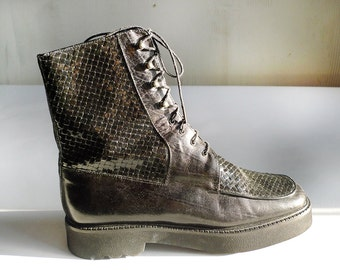 Vintage 90's Black Leather Woven Spectator Flatform Combat Boots / size 7.5 US 5.5 UK 39 EUR