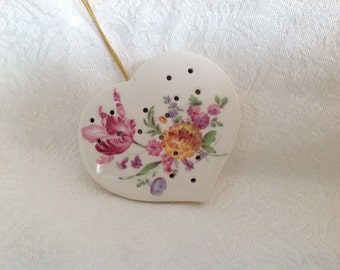Vintage potpourri holder Heart