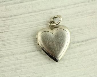 Vintage Heart Picture Locket Sterling Silver Pendant (ET337 )