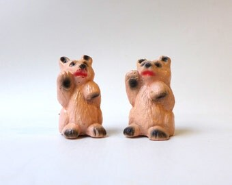 Vintage 1960s miniature pink resin bear salt and pepper shakers