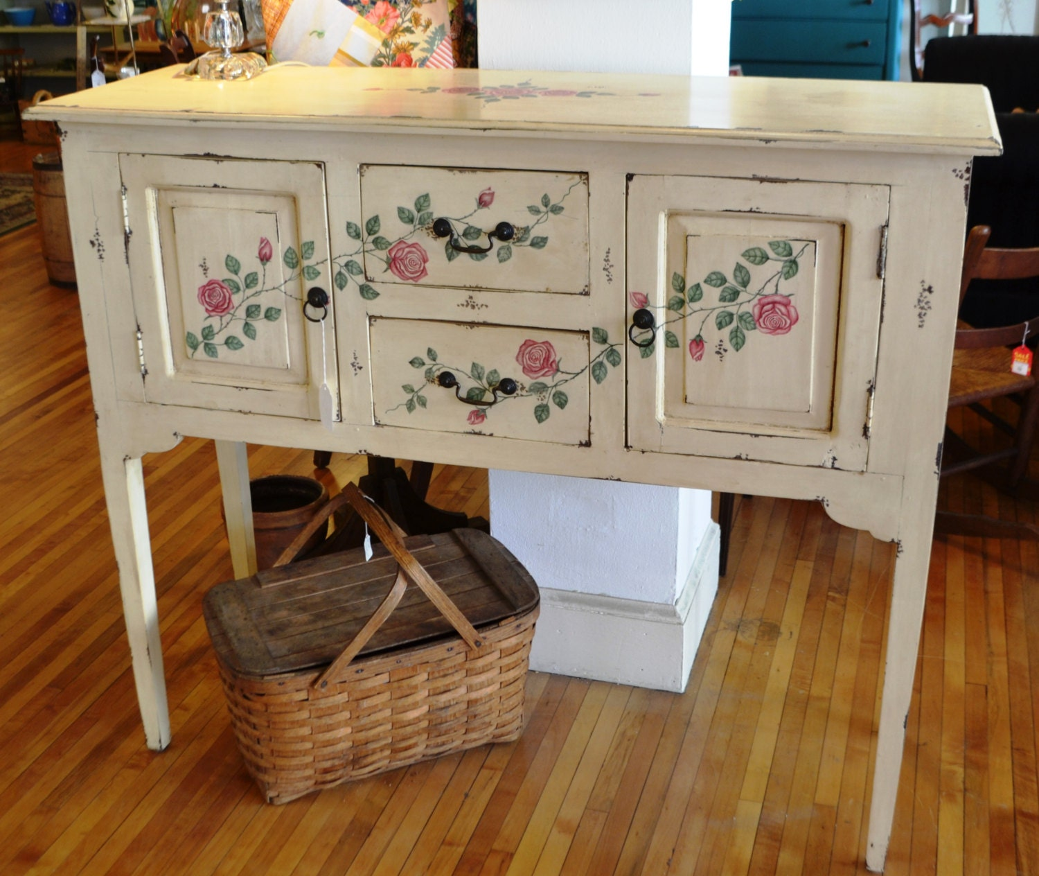 v vintage shabby chic cottage pale yellow buffet sideboard w. Black Bedroom Furniture Sets. Home Design Ideas