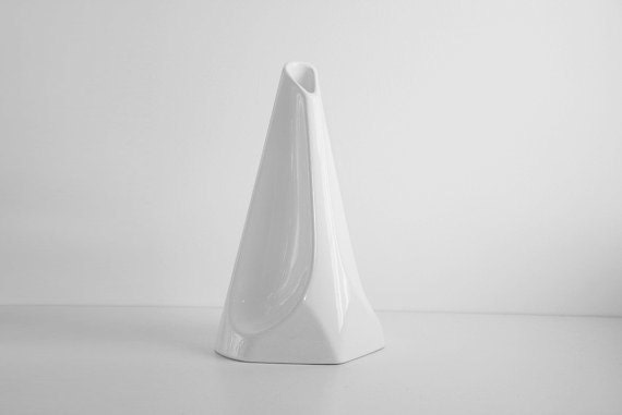 Dutch Triangular Modernist Vase - Flora 80s