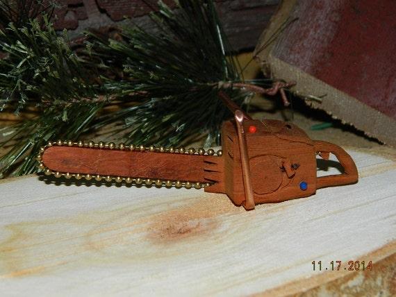 Mini chainsaw cottonwood bark wood carving christmas tree