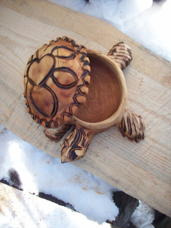 Chainsaw carved cherry wood turtle bowl shell lidd with heart