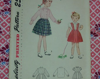 Vintage Pattern c.1950 Simplicity No.3317 Skirt and Blouse, Size 1, Breast 20