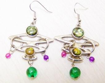 Funky vintage dangling colorful beaded earrings