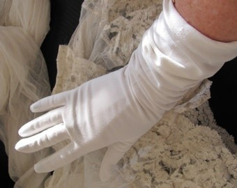 "Beautiful Ivory Ladies Soft Nylon Gloves 16"" Inch Long"