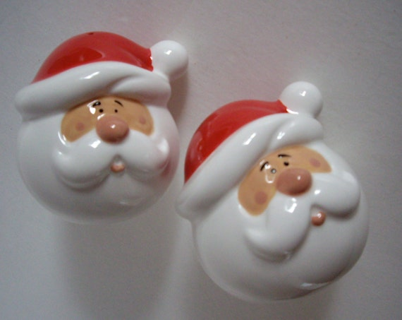 Christmas Santa Clause Salt and Pepper Shakers 1992