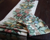 French Decor Set French Table Runner 15x64 Lined with (6) Napkins 18x18