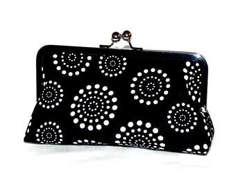 Black and White elegant Clutch - Polka dots - Silver kisslock frame