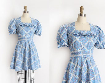 vintage 1940s dress // 40s floral cotton dress