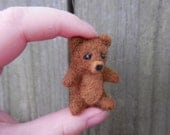 Tiny Wool Teddy Bear / Needle Felted Wool Animal / Miniature Bear Figurine / Dollhouse Miniature Bear Toy / Waldorf Felt Bear Soft Sculpture