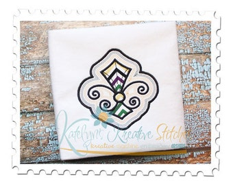 Fleur de Lis Applique with Offsets