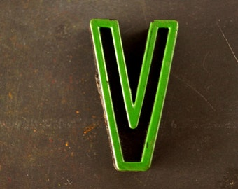 """Vintage Industrial Letter """"V"""" Black with Green and Red Paint, 2"""" tall (c.1940s) - Monogram Display, Shadow Box Letter, Art"""