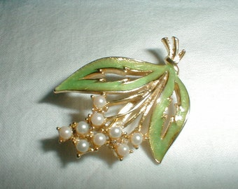 retired rare joan rivers seed pearls lily of the valley pin brooch green enamel jewelry lovely collectible brooch hydrangea swarovski