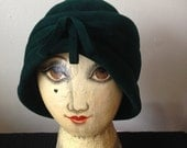 Reserved for Deborah Knight - Forest Green Turban Felt Hat 1940s//Bucket//Hat with Bow//Flapper//Cloche - Small