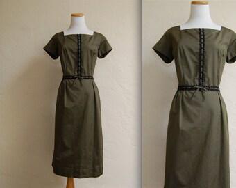 Vintage Helen Whiting 1960s Mad Men Wiggle Dress