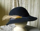 Reserved Vintage Doeskin 100% Wool Felt Hat Dark Navy Women's Accessories Wool Felt Hat With Grosgrain Ribbon & Feather Vintage Clothing