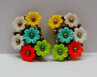 Vintage Flexible Plastic Flower Earrings Clips c1950s