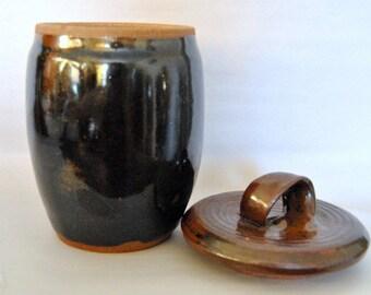 Ceramic Lidded Jar Decorative Handmade Pottery Kitchen Canister Storage Pottery Crown Stoneware Vintage Pottery urn Ethnic Cookie Jars