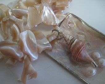 Mother-of-pearl shell statement necklace