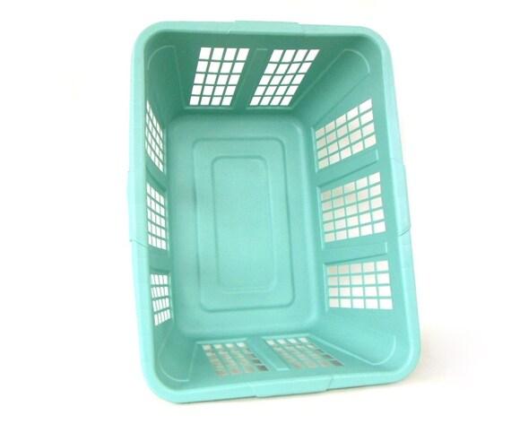 Rubbermaid Laundry Basket Plastic Mint Green Or Light Blue