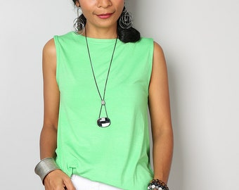 Green Top / Sleeveless Green T Shirt / Soft Green Tank Top : Urban Chic Collection No.4