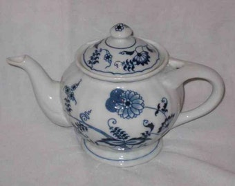 "Great 4"" X 4 3/4"" BLUE DANUBE Onion Teapot Rectangle"