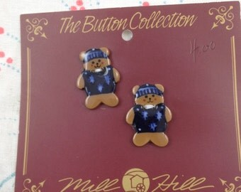 Vintage Mill Hill - 2 ceramic buttons - teddy bears in sweaters