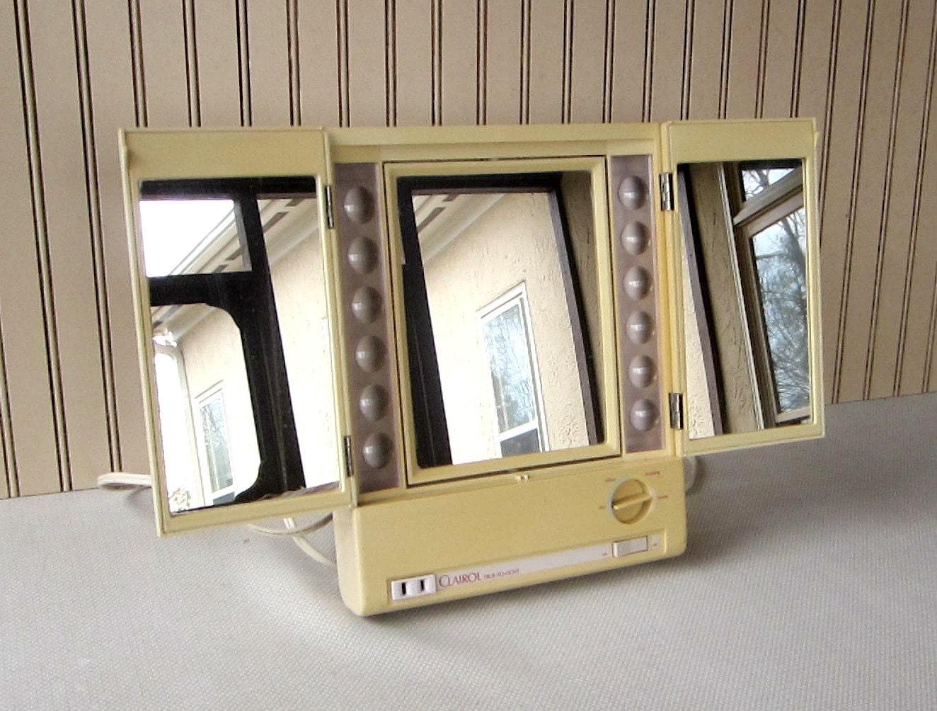 Vintage Lighted Makeup Mirror Clairol True To Light