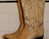 Vintage cowboy boots - Tony Lama - cream with stitch detail - size 5D mens/6 or 6 1/2 womens